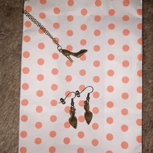 Handmade necklace and earring set.